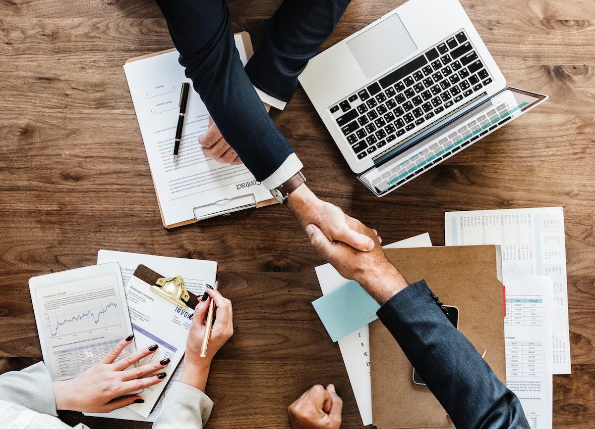 Las empresas ¿pueden cederse trabajadores?